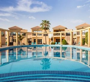 Umm Al Quwain: 4* Stay with Breakfast