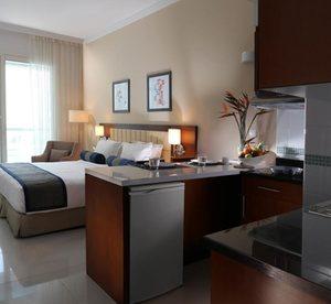Dubai: 1 or 2 Nights with Breakfast