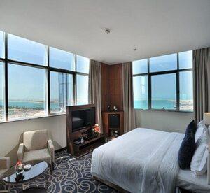 Abu Dhabi: 1-Night 4* Stay with Breakfast